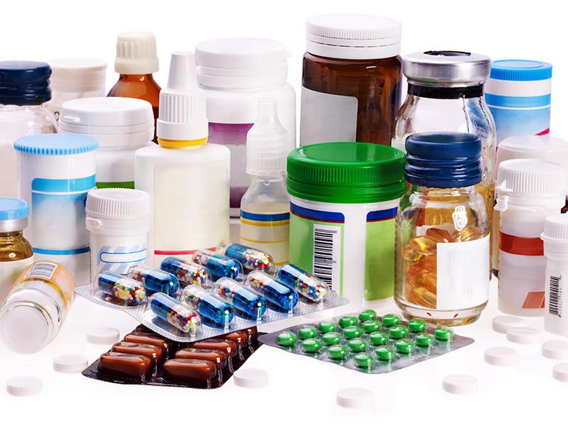 Ispezione a 360° di etichette su flaconi farmaceutici